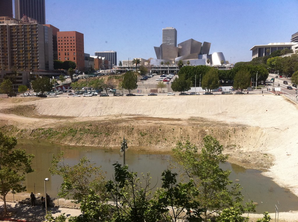 mysterious lake in downtown LA that no one likes
