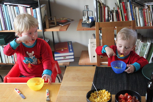 Gusten & Hugo äter