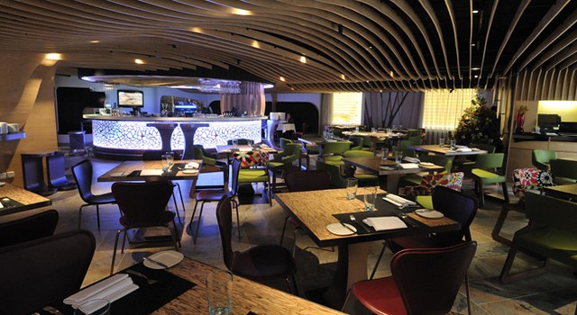 Wide-angle view of restaurant (from website)