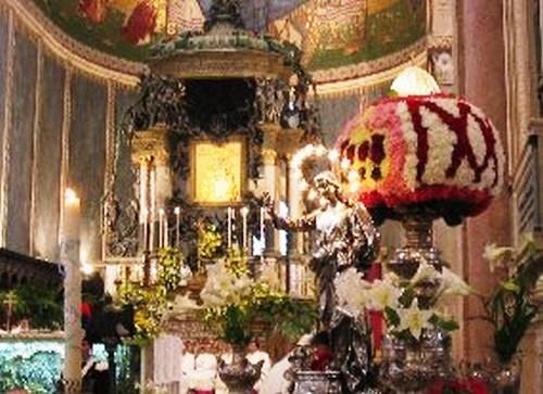 Festa della Madonna della Lettera foto tratta dal sito http://www.siciliainfesta.com/feste/processione_della_madonna_della_lettera_messina.htm