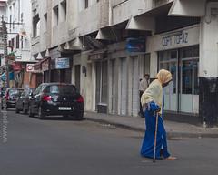 Rua no Maarif - Casablanca (Pedro Csar Andr) Tags: africa luz hijab andre pedro fez medina cor cultura rabat marrocos marroco