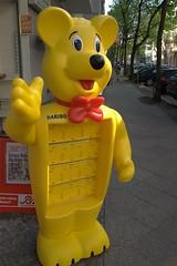 Chodowieckistrae, Berlin (steffenz) Tags: bear berlin yellow germany deutschland lenstagged pentax cosina voigtlander gelb 20mm voigtlnder br skopar colorskopar gelber 2011 cosinavoigtlnder guessedberlin k100d steffenzahn rawtherapee justpentax iamflickr cv20 colorskopar20mmf35slii 20mmf35slii cosinavoigtlndercolorskopar20mmf35 voigtlander20mm voigtlandercolorskopar20mmf35slii voigtlnder20mmf35colorskoparslii cv2035 colorskopar20mmf35sliiaspherical skopar20mmf35 voigtlandercolorskopar20mmf35sliiaspherical 20mmvoigtlandercolorskopar voigtlnder20mmf35 gwbaayawning