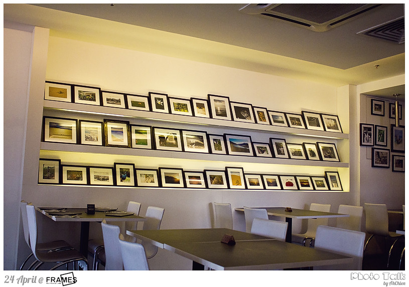Frames Cafe : deco
