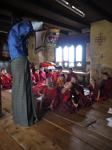 Little monks having an English class