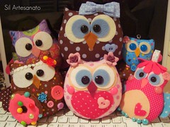 A Minha Grande Famlia (Sil Artesanato) Tags: blue brown cute hand craft felt made owl coruja feltro poas fieltro