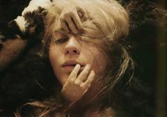 [フリー画像] 人物, 女性, 目を閉じる, 201104291700
