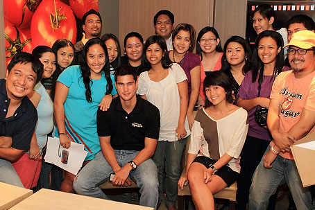 Bloggers who attended the event, with Phil and Mica - CertifiedFoodies.com