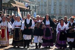 Primo Maggio - I costumi (Sergio Massano) Tags: torino bandiere manifestazione primomaggio lavoratori