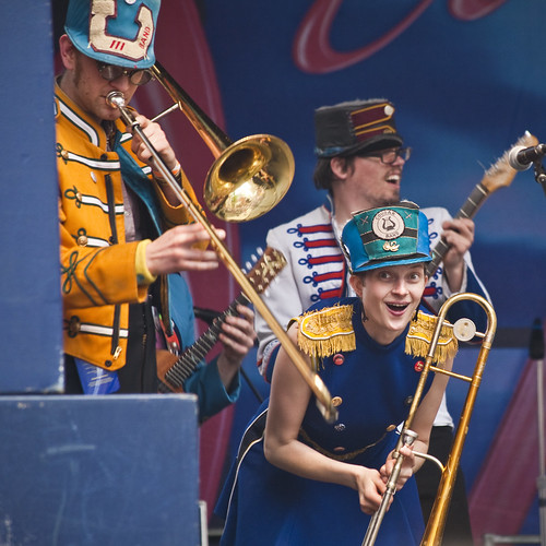 brassy section - mucca pazza