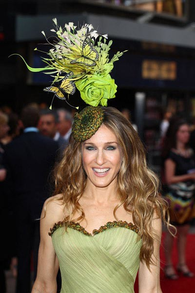 sarah_jessica_parker_in_philip_treacy