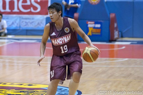 2011 FilOil Flying V Preseason Tournament: Adamson Falcon vs. UP Fighting Maroons, April 29