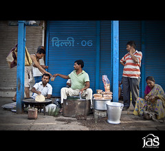 Dilli 06 ~ breakfast (jas-B) Tags: street morning breakfast tea delhi sunday streetphotography activity parathas delhi06 chandanichownk