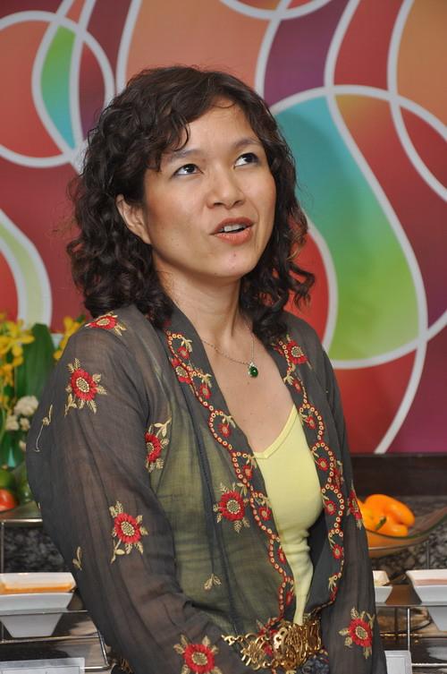 Debbie Teoh 2