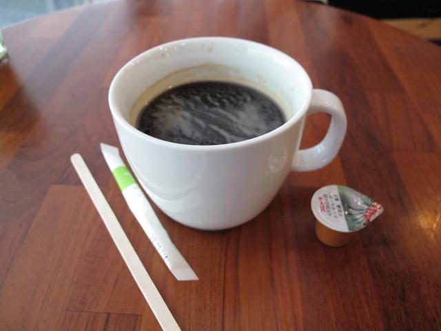 illy美式咖啡