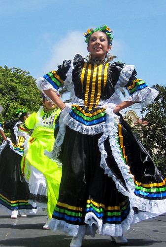 Cinco de Mayo Celebration: Folkloria Dancers