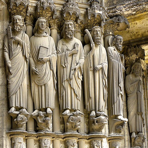 Chartres apostles in the doorway