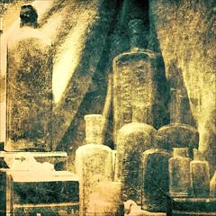 Ancient Bottles (Dom Guillochon) Tags: california old light usa art colors vintage ancient shadows unitedstates sandiego bottles couleurs antiques colori ombres bouteilles antiquesbottles ancientbottles dominiqueeclectique petcoparkancientbottles vieillesbouteilles