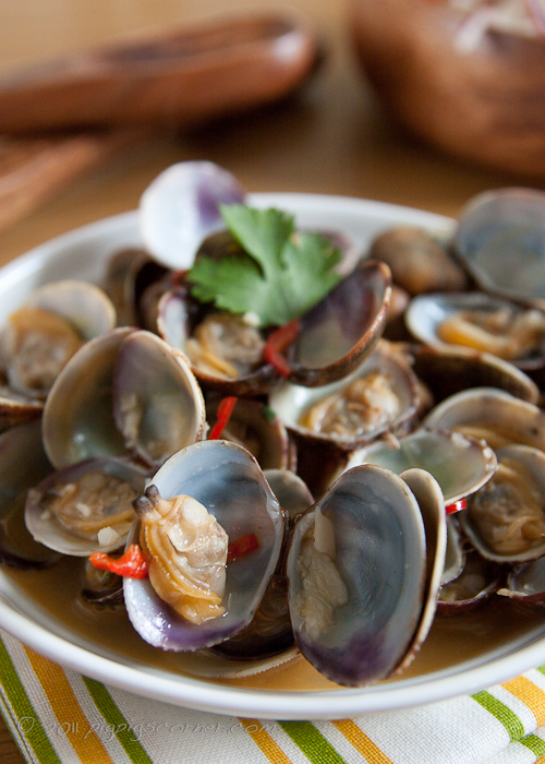 Garlic & Chili Clams