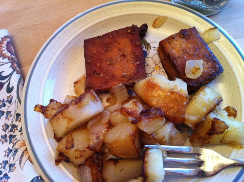baked tofu with fried potatoes