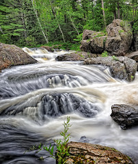 Dead River Falls - Marquette, Michigan (Michigan Nut) Tags: longexposure usa geotagged flow waterfall boulders deadriverfalls marquettemichigan michiganwaterfalls nikon1635mmf4gedafsvrwideanglezoomlens