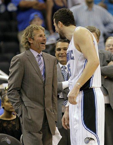 20110419-hedo-turkoglu-with-magic-ceo-bob-vander-weide