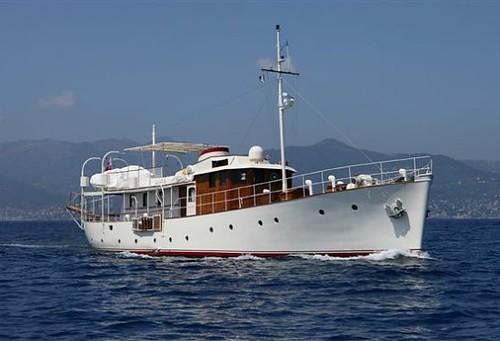 classic yacht motoryacht