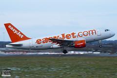 G-EZDT - 3720 - Easyjet - Airbus A319-111 - Luton - 101130 - Steven Gray - IMG_4851