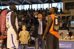 Entre deux (poitiersbasket86) Tags: saint basketball basket pb mans le domicile 86 poitiers lnb sarthe eloi proa entredeux
