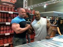 28710_1117720798842_1701677673_216548_4784379_nok (musclefan274) Tags: muscle massive bodybuilder morph lycra bulge