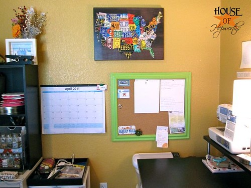 Cork_board_office_HoH_18