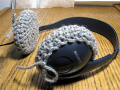 "headphones-04 • <a style=""font-size:0.8em;"" href=""http://www.flickr.com/photos/20166766@N06/5688752091/"" target=""_blank"">View on Flickr</a>"