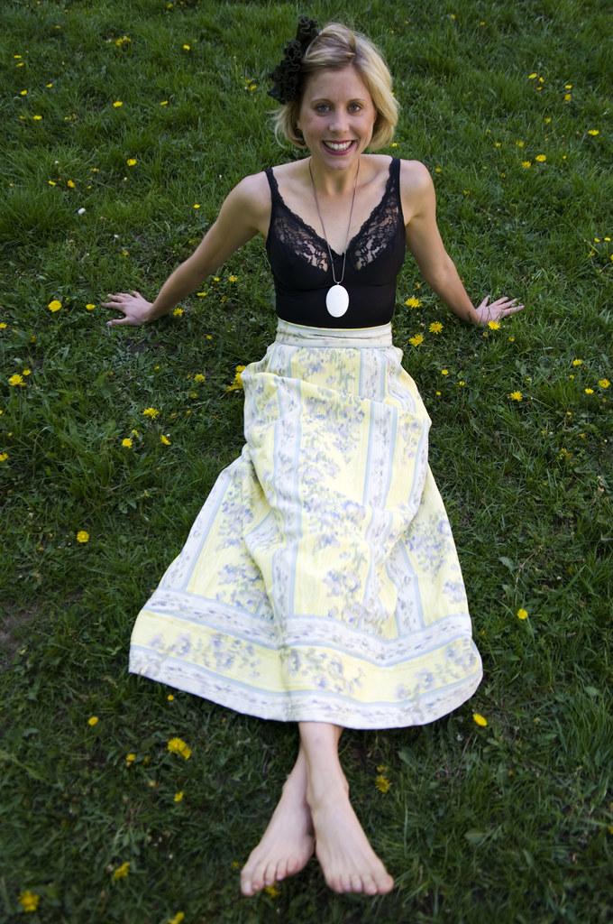 women's vintage fashion outfit