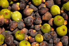 Green Black (---Jonathan---) Tags: black green fruits nikon market fig vegetable morocco series grün markt frucht schwarz marokko früchte obst feige d90 fruct