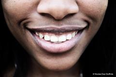 Girl smile, Nikon D7000 Paris (Nicolas Diaz G) Tags: africa portrait black paris girl smile nikon noir retrato portrt nicolas afrika sorriso sonrisa portret menina fille sourire ritratto negra mdchen parijs meisje risa  portrat ragazza  diaz lcheln parigi  afrique gabon noire  muchacha       gabo             gaboen gabun   giuffrida  d7000    nikond7000      nicolasdiazgiuffrida diazgiuffridanicolas
