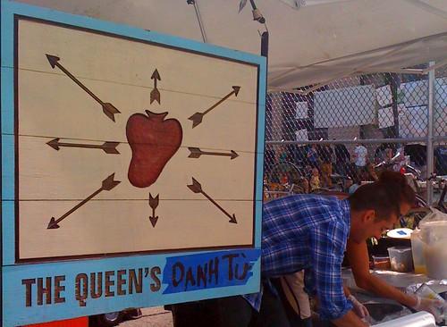 Liza Queen's Danh Tu Stand