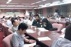 立法委員黃淑英、林淑芬、陳節如24日舉行「落實油症受害者照護」公聽會