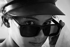 Pop Star (Luiz L.) Tags: portrait people blackandwhite bw sun white black sol face hat branco person pessoa pessoas retrato pb preto sunglass menina bianco nero pretoebranco individual popstar monocrome chapeu culosescuros quepe biancoinero canoneos7d gettyimagesbrasil luizlaercio gettyimagesbrazil luizl gargrota