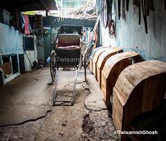 Photography : Twisamish Ghosh (Twisamish_ghosh) Tags: kolkata rickshaw handpulledrickshaw rickshawwala asia nikon d750 24120 stilllife documentary street twisamish travel contrast