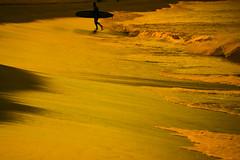 La Zurriola (envisionpublicidad) Tags: sunset sea sun sol atardecer gold la mar san sebastian puesta naranja donostia dorado oro zurriola dorada