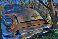 Old Mobile (StGrundy) Tags: auto old usa white classic cars abandoned car rural georgia junk nikon rust classiccar vintagecar automobile unitedstates antique decay south rusty automotive headlights southern faded bumper chrome rusted april hood rps headlight junkyard scrapyard headlamp southeast oldcar salvage oldcars hdr highdynamicrange hoodornament decayed olds oldsmobile bartowcounty crumbling 1953 deepsouth cargraveyard 2011 oldcarcity 3xp photomatix wreckingyard tonemapped d80 stevegrundy roswellphotographicsociety cementeriodecoches cemitriodeautomveis cimetiredevoitures stgrundy cimiterodiautomobile frps040211 lewisworldofparts