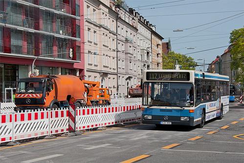 Bergers 8511 auf der »falschen Seite«: Durch die Bauarbeiten ist die Verkehrsführung am Nordbad umgestellt