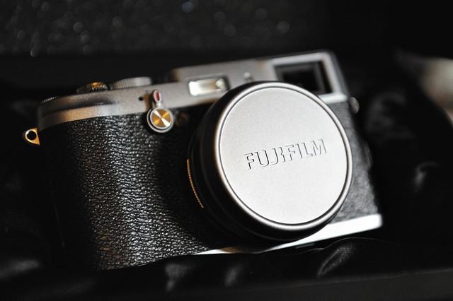 Fuji X100