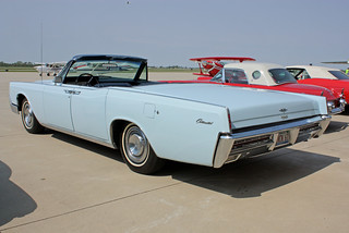 1967 Lincoln Continental Convertible (10 of 12)