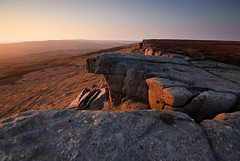 Crow Chin, Stanage Edge (andy_AHG) Tags: sunset rural outdoors evening spring rocks derbyshire peakdistrict scenic moors pennines darkpeak stanageedge britishcountryside northernengland landscapephotography beautifullandscapes highneb easternedges stanageend crowchin
