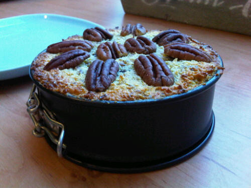 Mini paleo apricot cake