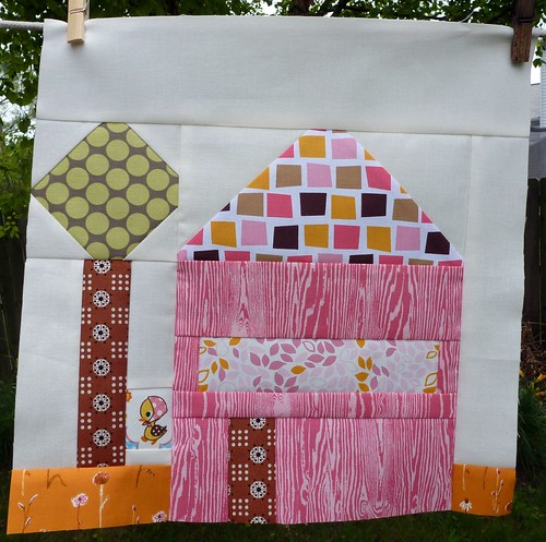 Sew Beautiful Bee Cara's House block