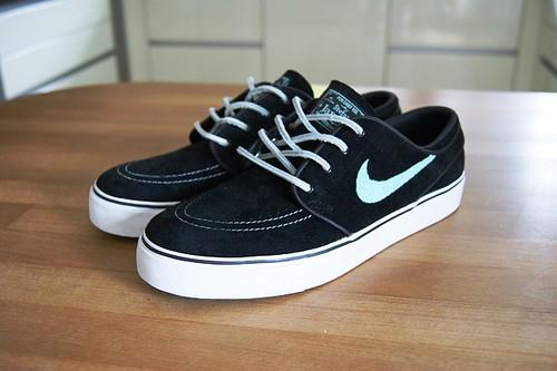 on sale 8d047 92007 Nike SB Zoom Stefan Janoski Tiffany
