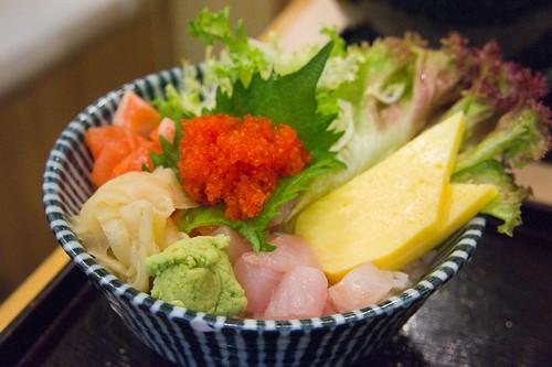 接力的是雜錦魚生飯