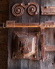 COSTOJA (beagle34) Tags: puerta porta francia languedocroselln pirineosorientales costoja