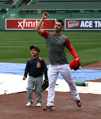 nice toss, i could do better (Boston Wolverine) Tags: boston kid baseball redsox tigers toss fenway rookie pregame mlb victormartinez 70300mmf456 joseiglesias littlevictor